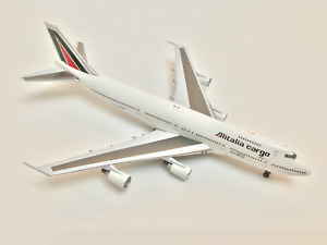 Aviation400 1:400 ALITALIA CARGO Boeing 747-200