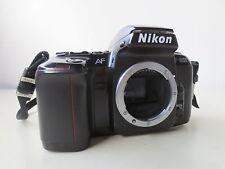 SAMMLUNGSAUFLÖSUNG! Nikon F601 35mm Spiegelreflexkamera nur Gehäuse / Body