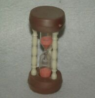 "Vintage 3.75"" plastic hourglass 2 minute sand timer ~B"