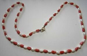 VINTAGE NATURAL CORAL & RIVER PEARL RICE DELICATE NECKLACE 14 CARAT CLASP MG4