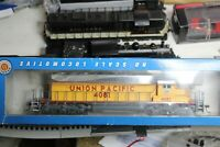 EMD SD40-2 UNION PACIFIC   RTR BUILT 1/87 HO TESTED ROAD DIESEL LOCOMOTIVE  U.P.