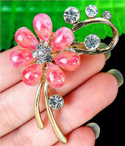 53x34x15mm Pink Brooch With Diamond Inlay In Alloy Flower Pendant AP23747