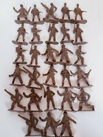 Greenbrier Vintage Army Soldiers Lot Of 28 International