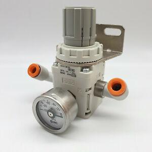 SMC IRV10-LN07BG Vakuum Regler W/x2 SMC Männlich Ellenbogen 1/4 Zoll Rohr