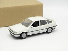 Gama SB 1/43 - Opel Vectra Blanco
