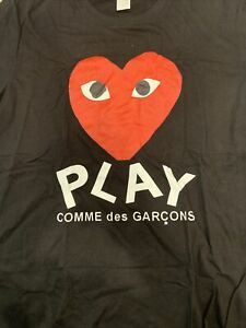 Play Comme Des Garcons t Shirt Size Med