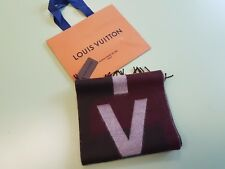 44fa5fbbb4c AUTHENTIC LOUIS VUITTON V HISTORIQUE PRUNE SCARF NEW WITH TAGS R.P. 450£  RARE!