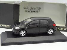 Minichamps 1/43 - Toyota Auris Negra