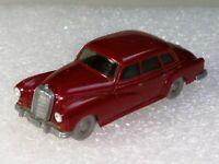 Wiking ( 150/3C , CS 371/2B ) - Mercedes 300 , weinrot , T@P