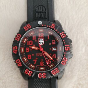 LUMINOX- COLOR MARK 3050/3950 RED, SLIGHTLY USED, PERFECT CONDITION, AWESOME