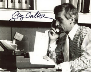 GAY TALESE SIGNED AUTOGRAPHED 8x10 PHOTO CELEBRATED AUTHOR WRITER BECKETT BAS