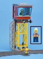 LEGO Train Railway Junction Cargo Control Tower Signal Box & Minifigure 60198