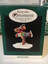un cadeau à partir de Rodney MINIATURE Sapin de Noël Hallmark souvenir ornement