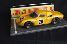 QSP Diorama 1:18 Starting grid with wall and railing (Pirelli)