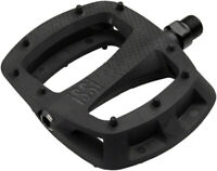 iSSi Thump Flat Pedals: Small Composite with Molded Pins, Black