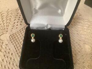 14k Solid Yellow Gold Emerald & Pearl Stud Earrings EUC