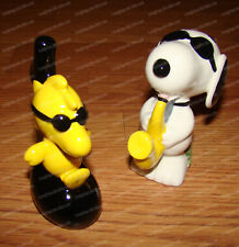Snoopy (Joe Cool) & Woodstock (Penauts by Enesco, 6001033) Salt & Pepper Shakers