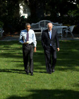 BARACK OBAMA & VICE-PRESIDENT JOE BIDEN WALK TO OVAL OFFICE  8X10 PHOTO (CC-038)