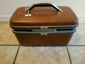 Vintage Samsonite Silhouette Train Makeup Case with Mirror and Tray NO KEY