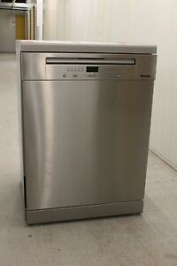 Miele G5223 SC Front Freestanding Dishwasher with AutoOpen Drying, CleanSteel