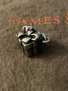 James Avery Retired Christmas Present Gift Charm Sterling Silver