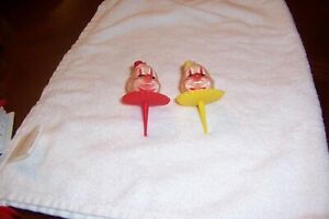 VINTAGE WILTON CLOWN DERBY CAKE TOPPERS (2) CHICAGO W723.606.4 YELLOW/RED