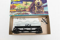 HO ATHEARN KIT TANK CAR 3 DOME CANADIAN NATIONAL CN WHITE DAMAGED