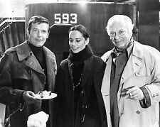 """ROGER MOORE CURD JÜRGENS """"THE SPY WHO LOVED ME"""" - 8X10 PUBLICITY PHOTO (ZY-888)"""