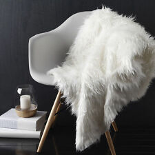 LOGAN AND MASON Montana White Faux Fur Throw Rug 127 x 152cm BRAND NEW