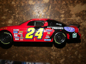 1997 Action  # 24 Jurassic Park The Ride Jeff Gordon Stock Car  in 1/24 scale W4
