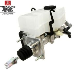 NEW OEM TOYOTA 4RUNNER 2001-2002 BRAKE MASTER CYLINDER ASSEMBLY