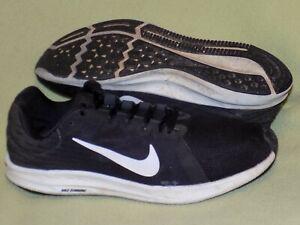 Nike DOWNSHIFTER 8 Sneaker/  Sportschuhe/ Joggingschuhe Gr. 42,5