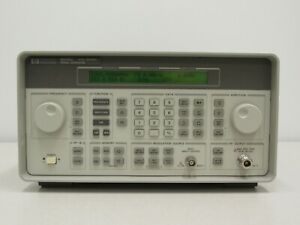 HP 8648C 9 kHz - 3200 MHz Synthesized Signal Generator