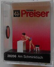 Preiser 28206 Putting On Make-up 00/H0 Model Railway Figure