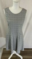 Women's New York And Company Sleeveless Black White Pattern Dress Size Large
