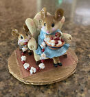 WEE FOREST FOLK M-333 A Sneaky Treat, William Petersen 2006 Retired