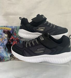 Boys Sketchers Sport Black/white Durable Bottom Memory Foam Trainers Size 4
