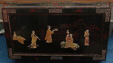 Ancienne Table Basse chinoise, laquée noire,incrustée pierres et nacre
