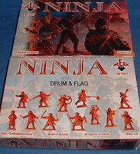 Redbox 72011 Ninja. japonés. 48 X 1/72 escala sin pintar figuras de plástico.