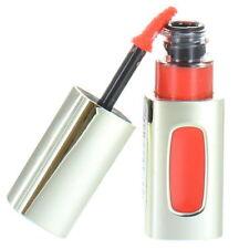Maquillage des lèvres liquide rouge L'Oréal