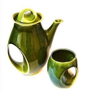Holkham Pottery Green Owl Eye Coffee Pot & Mug