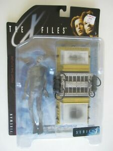 1998 McFarlane Toys X Files Series 1 FIREMAN MOC   BIS