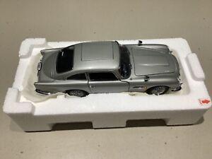 Danbury Mint James Bond Aston Martin DB-5 - Must See