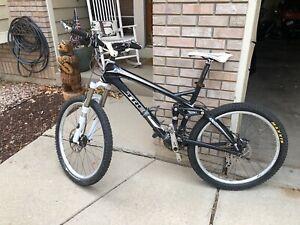 2010 Trek Fuel EX 9.8 Mountain Bike MTB