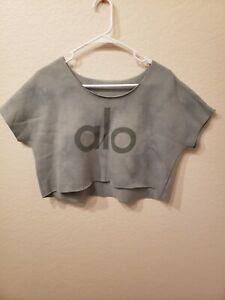 ALO YOGA Short Sleeve Crop Sweatshirt Top. GORGEOUS COLOR and DESIGN
