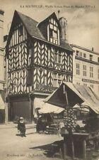 CPA LA ROCHELLE - Vieille maison, place du Marché (175447)