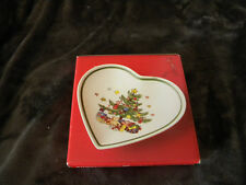 """Nikko """"HAPPY HOLIDAYS"""" Heart Shaped Dish 5 3/4"""" in Original Box/EXCELLENT"""