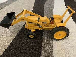Vintage Ertl Yellow Massey Ferguson Toy Tractor Model 2915