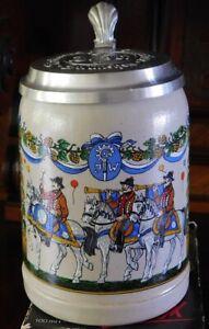 Bierkrug Oktoberfest AUGUSTINER 2002 mit Zinndeckel, limitiert