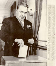 Orig. 1971 NEWS PHOTO-COLD WAR-BREZHNEV CASTS VOTE-USSR